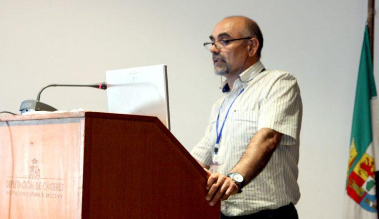 González Guerra explicando cómo dejar una adicción