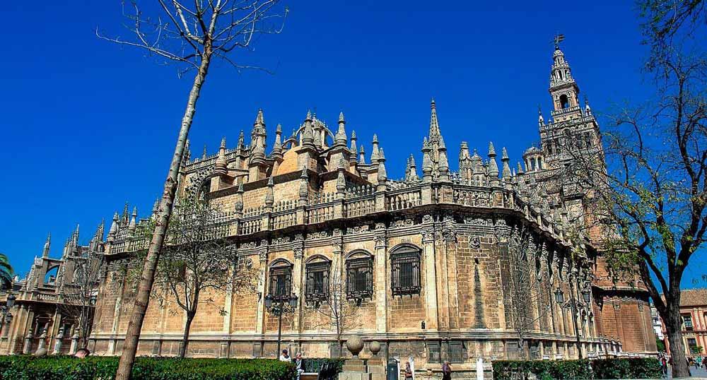 Catedral gótica de Sevilla, desde Centros de Desintoxicación