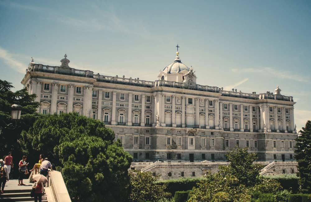 Palacio real de Madrid, salida desde centros de desintoxicación