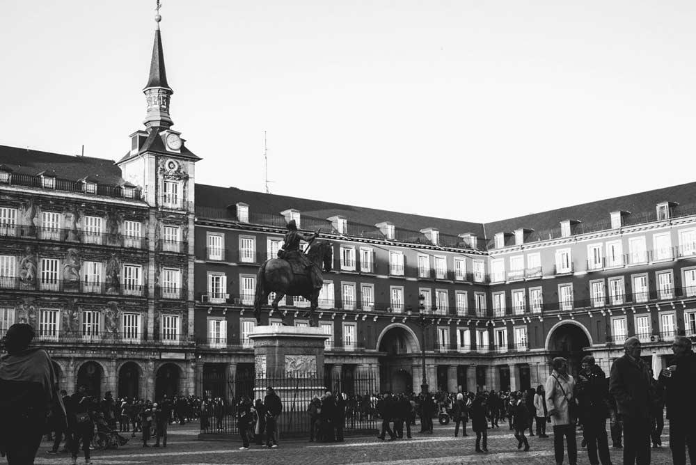 Plaza mayor de madrid, excursiones desde centros de desintoxicación
