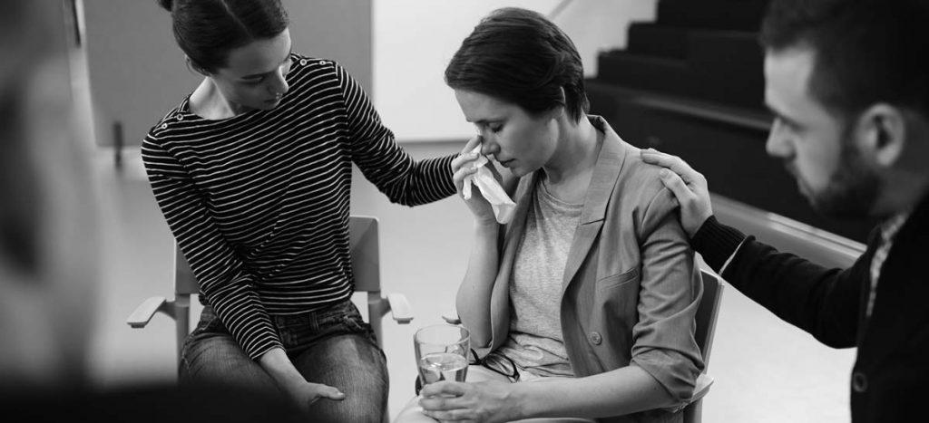 terapia grupal en centros de desintoxicación para alcohólicos