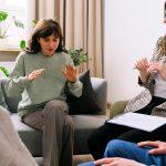 terapia grupal en un tratamiento ambulatorio para adicciones
