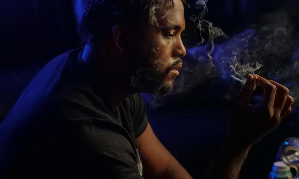 fumar porros, factor de riesgo para sufrir un brote psicótico